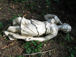 b Cormeilles_en_parisis_54_broken_statue_(the_rape)